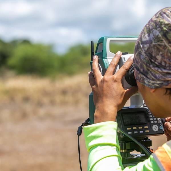 Land Surveyor in Hawaii